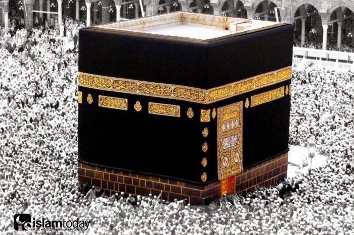 Кто из знаменитых поэтов доисламской эпохи принял ислам?