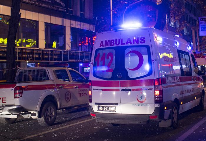 Россияне пострадали в результате действий психически нездорового жителя Стамбула.