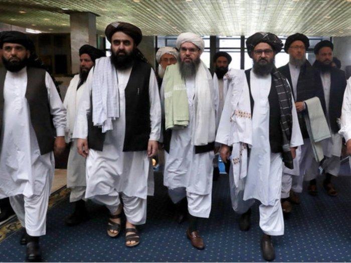 Талибы прибыли для переговоров в Тегеран.