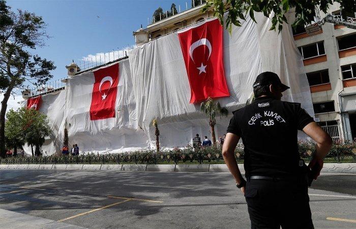 Посольство России призвало граждан страны к осторожности в Турции.