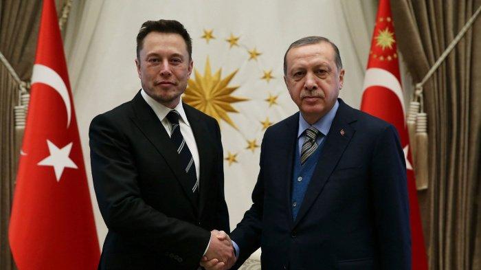 Эрдоган и Маск на встрече в Стамбуле в 2017 году.