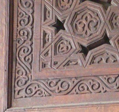 Татарские элементы в орнаментальной резьбе по дереву (интерьер мечети аль-Азхар, личный архив автора)
