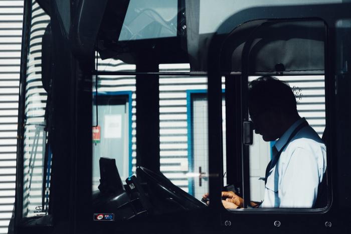 Наиболее высока доля тех, кому не хватает зарплаты, среди рабочего (39%) и административного персонала (36%), сотрудников сферы транспорта и логистики (36%)