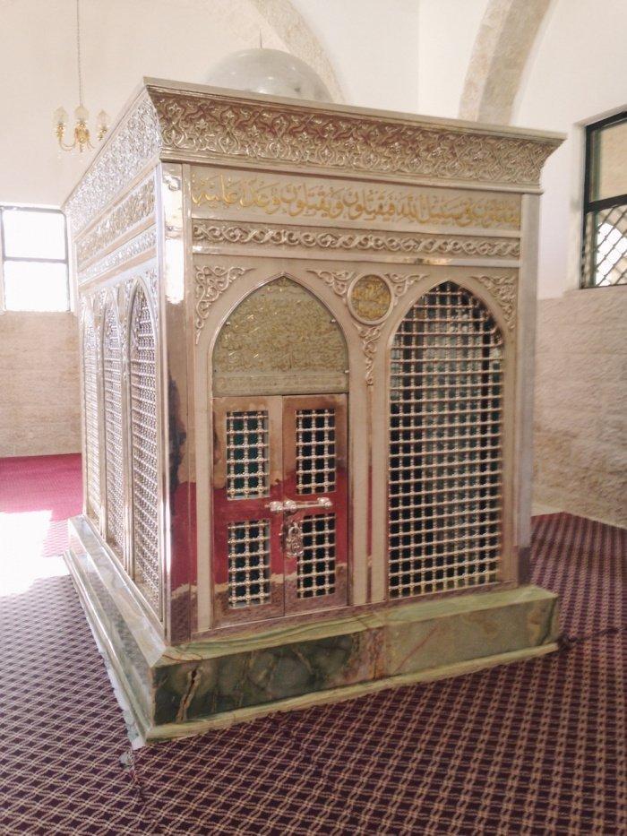 Могила Зейда ибн Хариса. Фото: Зара Чоудхари