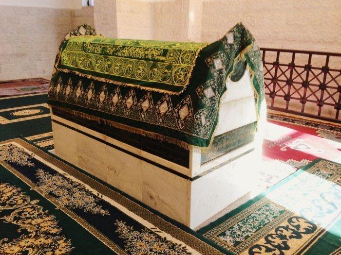 Могила Абдуллаха ибн Раваха. Фото: Зара Чоудхари