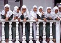 В Индонезии мусульманские школы не смогут диктовать «дресс-код»