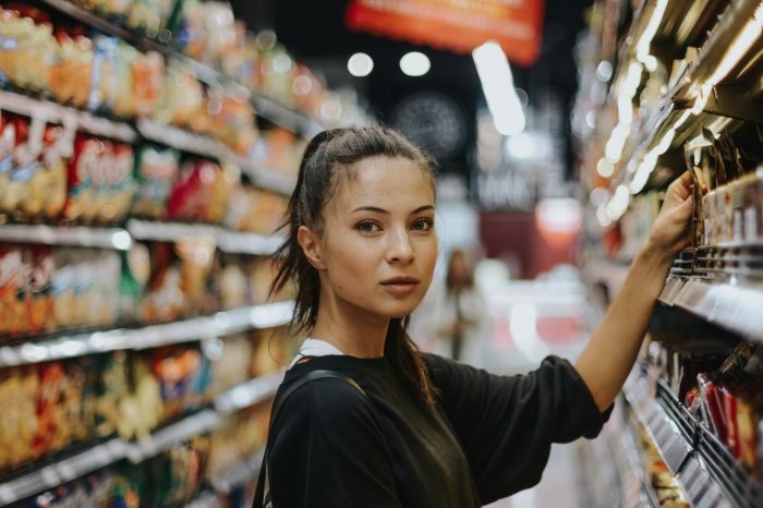 По мнению специалиста, при выборе продуктов важно внимательно изучать сведения об их пищевой ценности