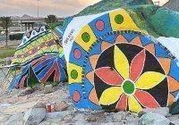 Саудовский художник рисует на скалах национальное наследие (Фото)