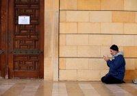 Бахрейн снова закрывает мечети
