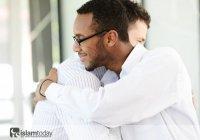 Семерых Аллах укроет в Судный день