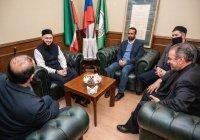 ДУМ РТ посетила делегация Всемирного совета мусульманских сообществ