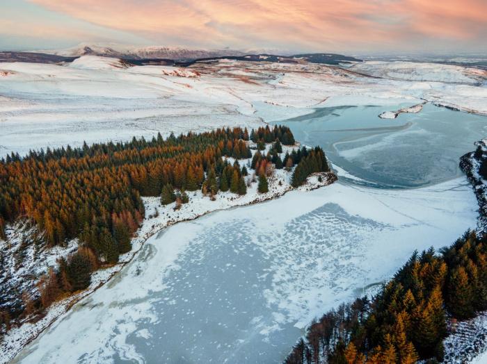 На азиатской части России сформировался хорошо выраженный циклон, а на северо-западе Западной Европы – антициклон (Фото: unsplash.com)