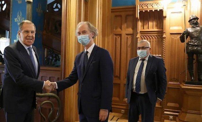 В МИД РФ сообщили о переговорах Лаврова с Гейром Педерсеном.