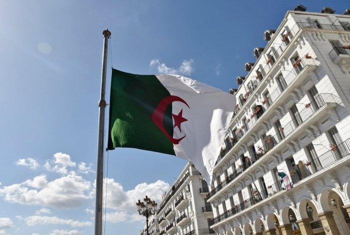 В Алжире продолжается кампания по вакцинации населения.