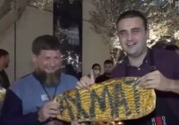 Известный шеф-повар едва не опрокинул поднос с едой на Рамзана Кадырова (Видео)