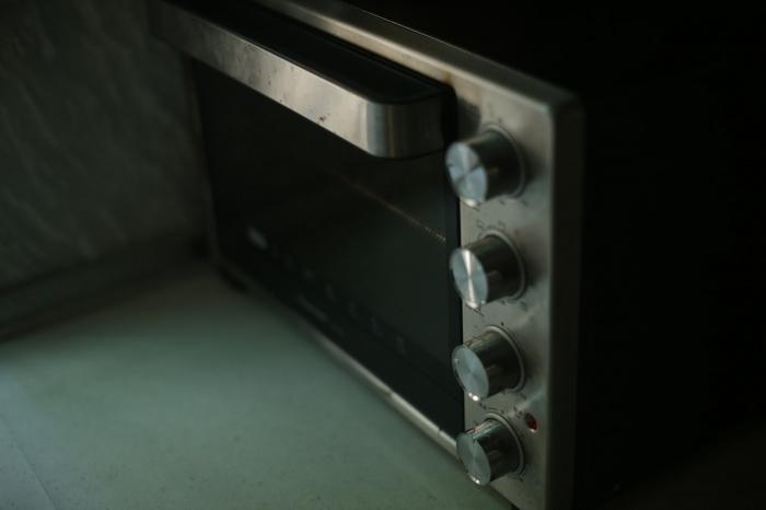 Распространенной ошибкой является одновременный нагрев на тарелке разных видов еды (Фото: unsplash.com)