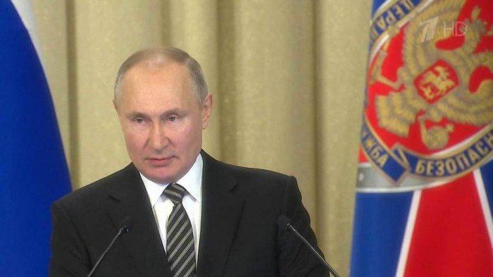 Президент РФ заявил о связи террористов с зарубежными спецслужбами.