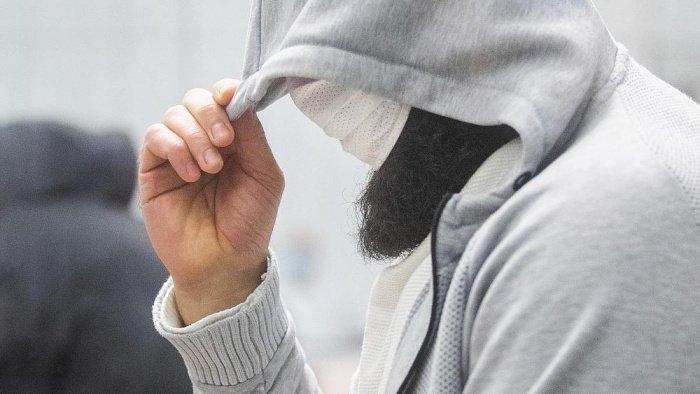 Проповедник получил длительный тюремный срок за поддержку терроризма.