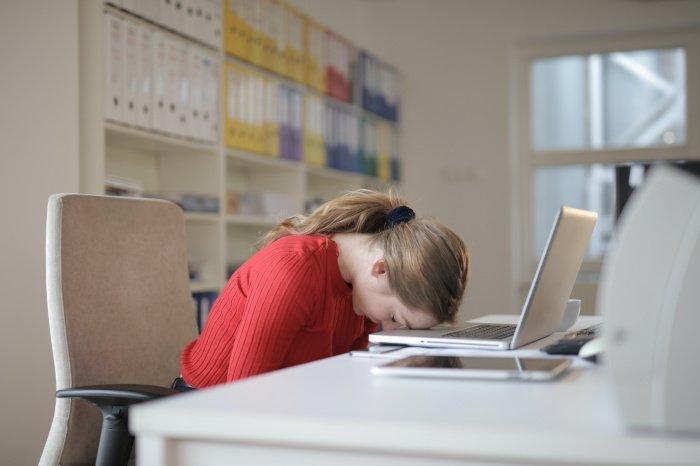 Дневной сон полезен, но далеко не всем и не всегда (Фото:www.pexels.com)