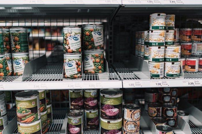 Вред здоровью человека представляют продукты, содержащие ботулотоксины (Фото:unsplash.com)