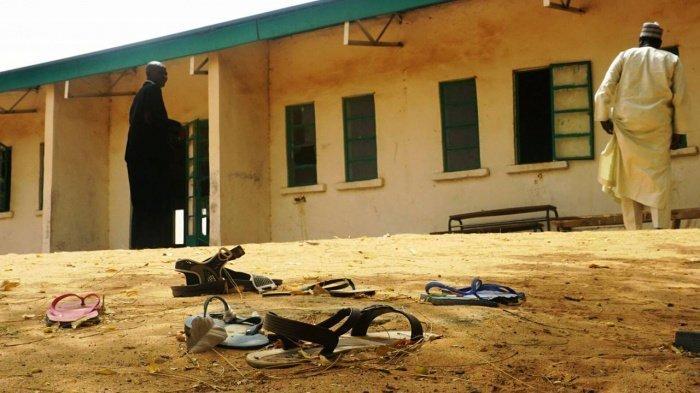 317 учениц школы для девочек были похищены в минувшую пятницу.