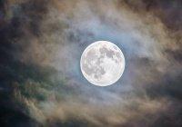 Набирается команда для полета на Луну
