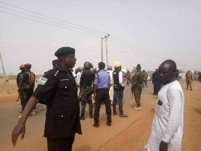 Власти Нигерии ищут 50 похищенных граждан.