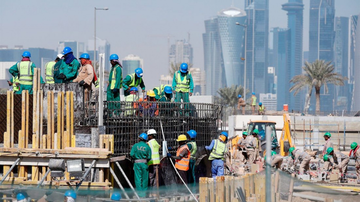 На стройках ЧМ-2022 в Катаре погибли более 6 тысяч рабочих-мигрантов.
