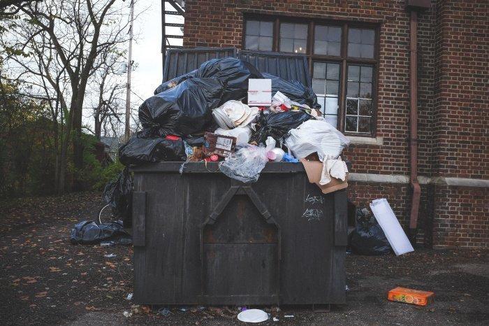 Решение об отказе от мусоропровода нужно принять коллективно (Фото:unsplash.com).