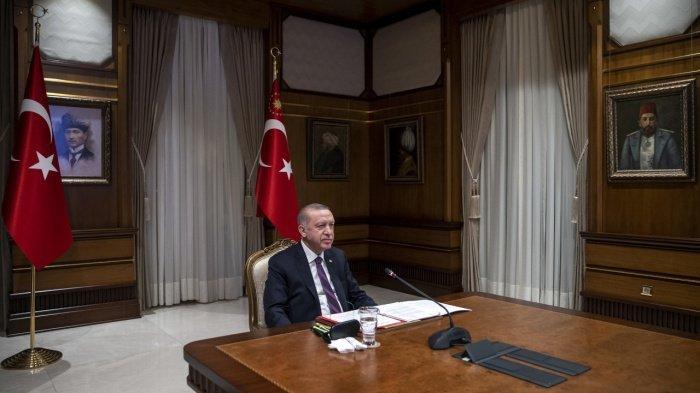 Президент Турции заявил о необходимости пересмотреть ядерную сделку.