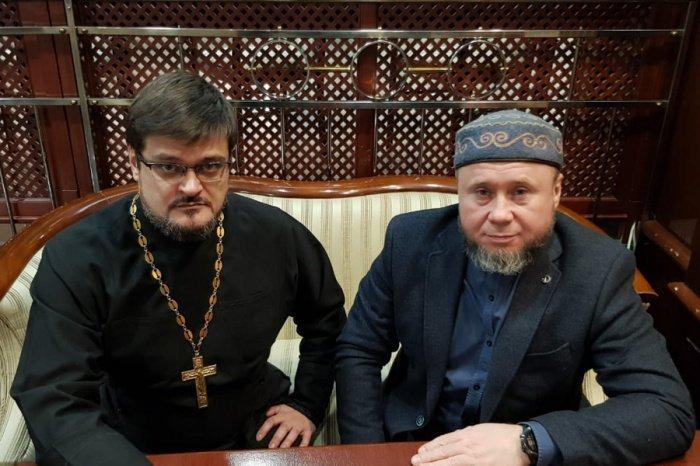 Салих хазрат Ибрагимов принял участие в работе заседания.