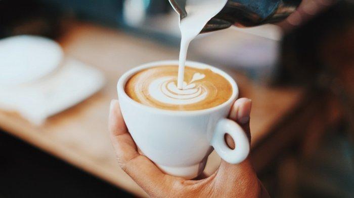 С черным кофе за пару часов ничего не случится (Фото:unsplash.com).