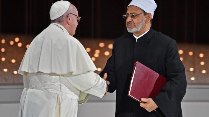 Визит Папы Римского в Ирак: признание ислама и скрытый подтекст