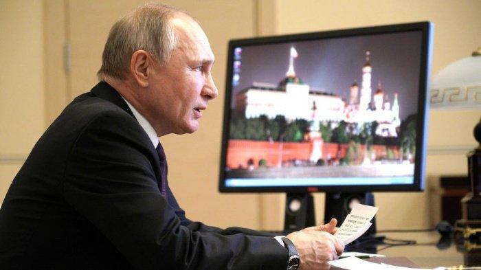 Кремль сообщил о переговорах Путина с Алиевым и Пашиняном.