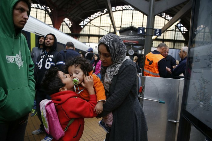 Сирийские беженцы продолжают возвращаться на родину.