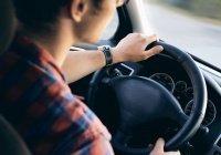 Автоэксперт назвал особенности вождения весной