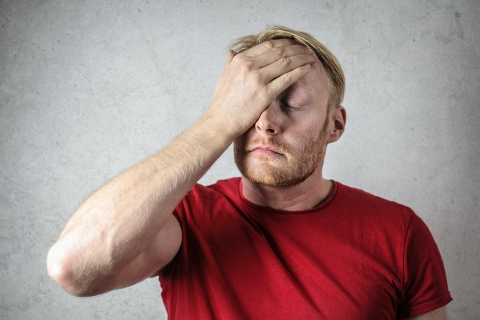 Постоянные головные боли – повод обратиться к врачу (Фото: pexels.com).