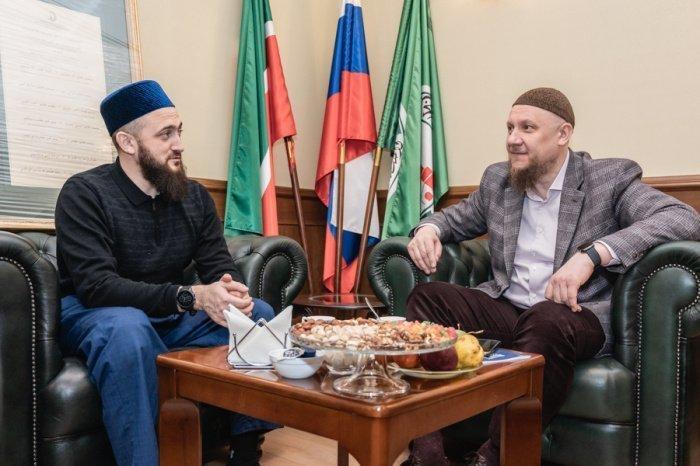 Камиль Самигуллин и Айдар Шагимарданов на встрече в ДУМ РТ.
