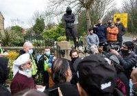 Протесты против карикатур на Пророка прошли в английской школе