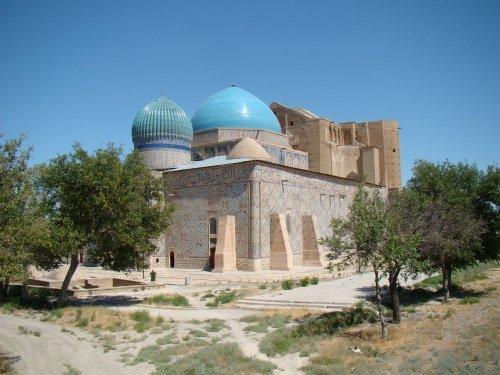 Вид на мавзолей (Источник фото: wikipedia.org).