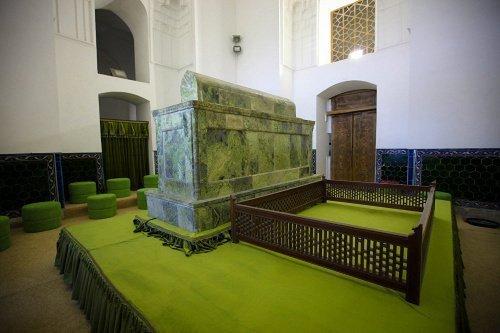 Могила Ходжи Ахмеда Ясави (Источник фото: google.com).
