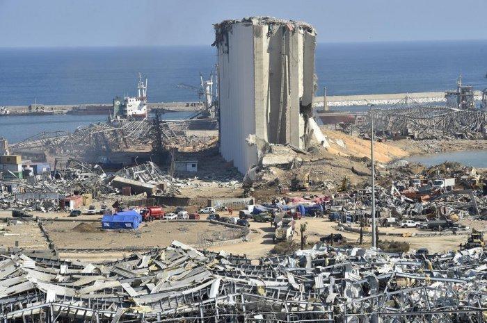 Порт Бейрута после взрыва. (Фото: yandex.ru).