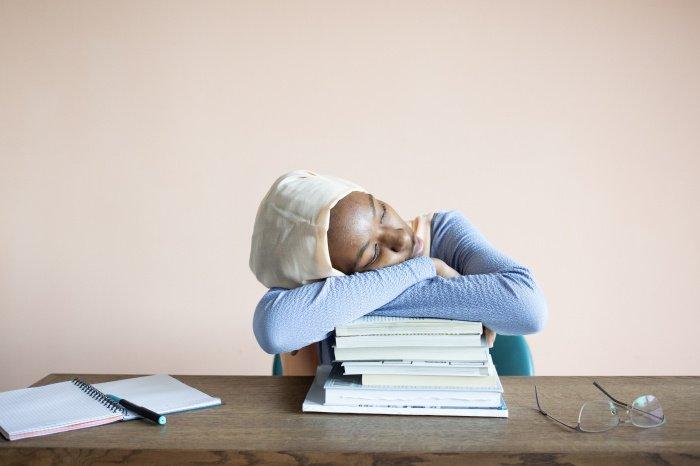 Не стоит надолго застревать в негативных эмоциях (Фото: unsplash.com).