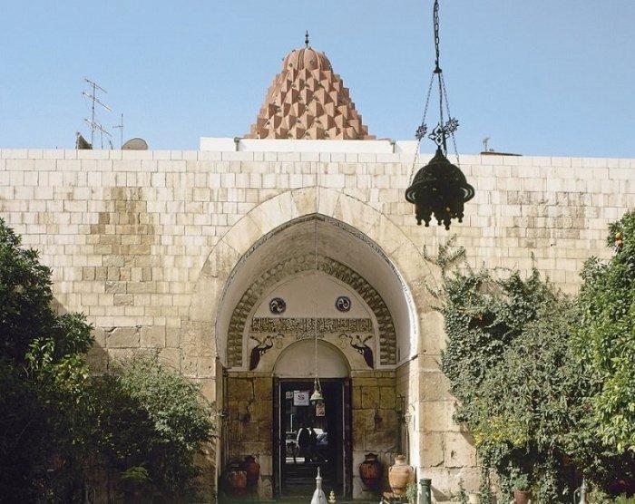 Бимаристан (больница и медицинская школа) Нур ад-Дина в Дамаске, основан в XII в. Сейчас в здании находится Музей медицины и науки арабского мира (Фото: aramcoworld.com).