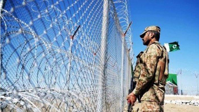 Забор на пакистано-иранской границе (Фото:en.irna.ir).