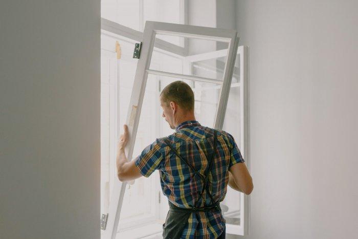 Большая часть процессов на стройке требует «высококвалифицированного ручного труда» (Фото: unsplash.com).