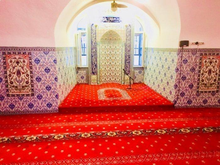 Михраб мечети (Источник фото: google.com).