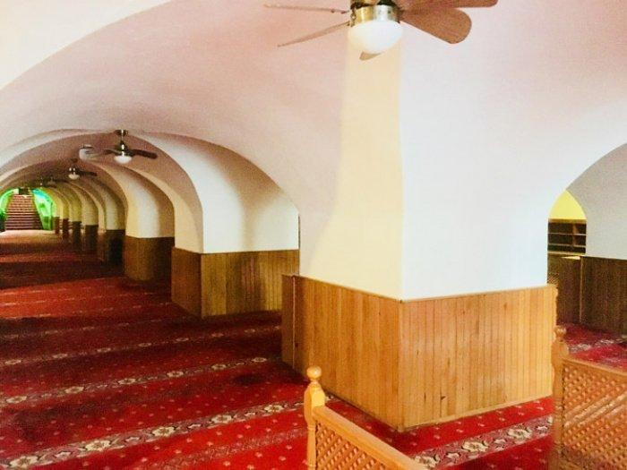 Внутри Подземной мечети (Источник фото: google.com).