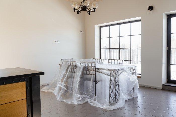 При покупке квартиры нужно обратить внимание на личность собственника (Фото: unsplash.com).