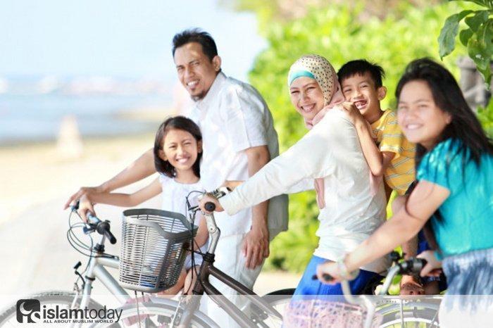 Семья − это основа общества (Источник фото: freepik.com).